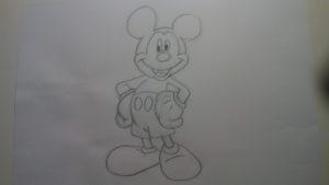 Cómo dibujar a Mickey Mouse